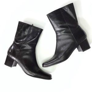 Nine West black leather block heel booties size 8